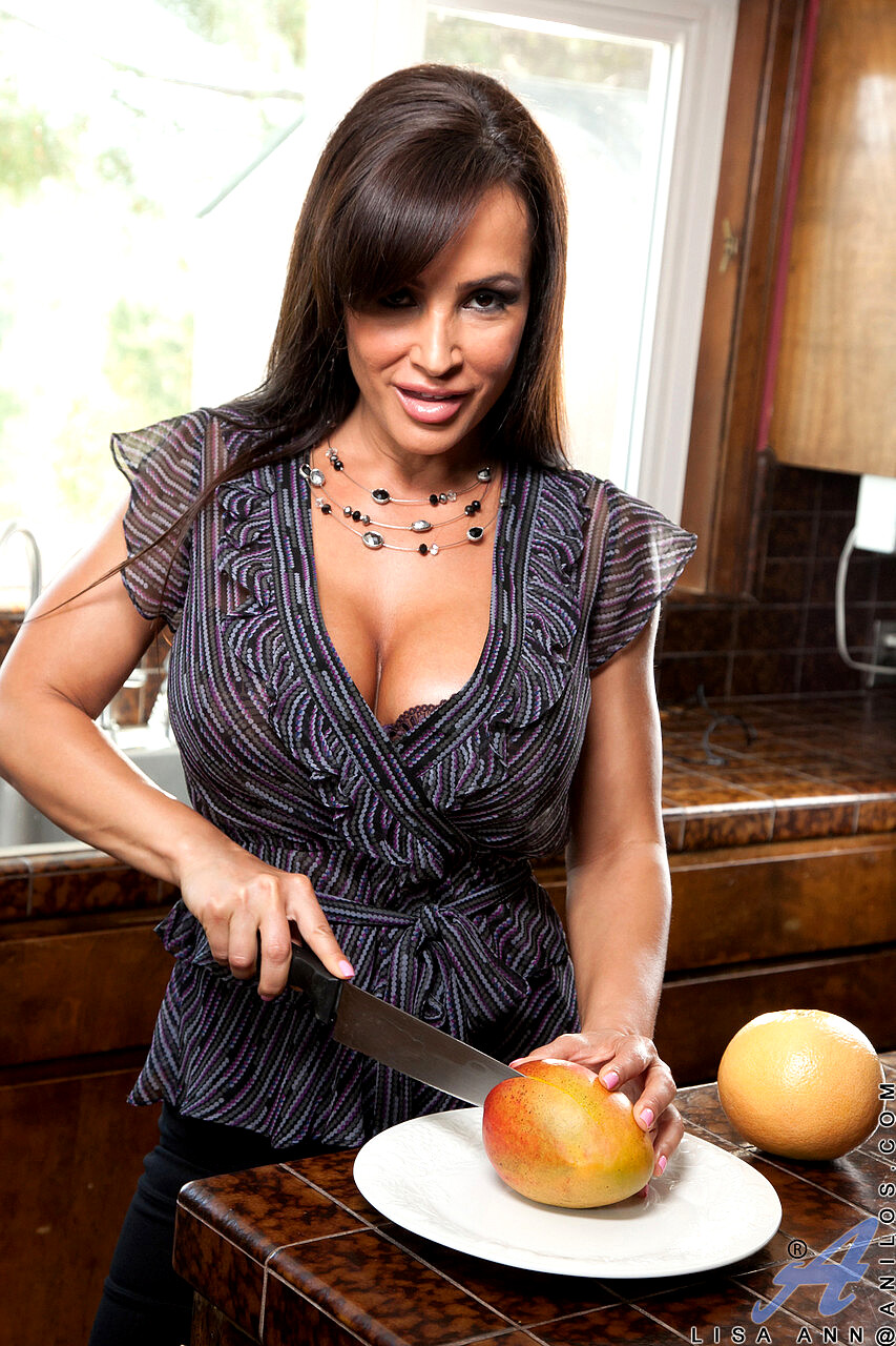Anilos Lisa Ann Juicy Mature Porno Version Milf ViP Porn