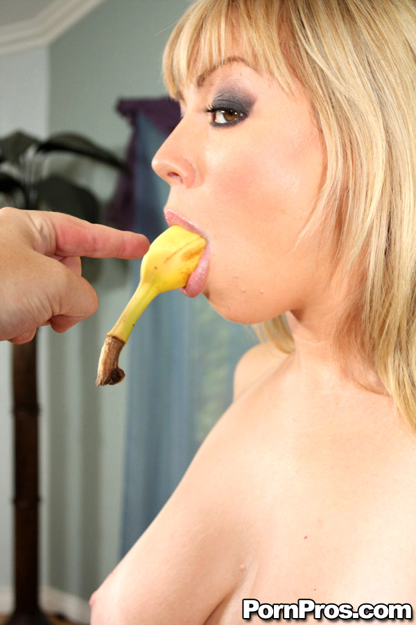 Dark Haired Horny Sweetie Deep Throats Big Sausage On Pov Camera